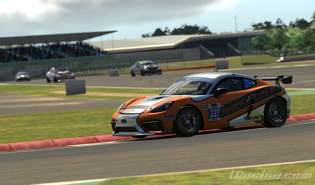 Apex Racing Academy GT4 VRS Super Series   Round 2 at Silverstone GP